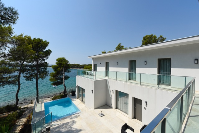 Luxury first line villa with swimming pool - Biograd